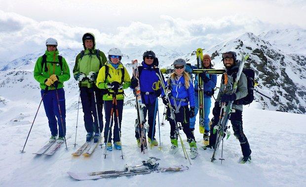 Schneegrubenspitze mit mobilem Gipfelkreuz